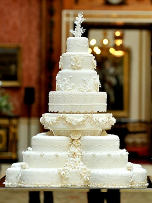 royalweddingcake435_400